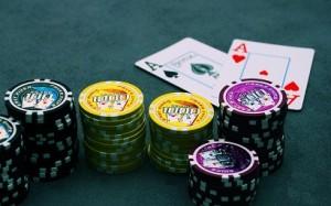 Casinoilta korttipelit, pokeri ja slotit