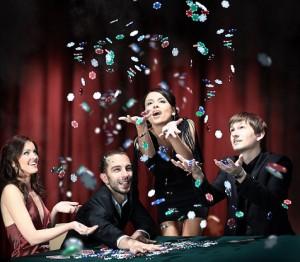Netin uhkapelit ja casinot tarjoavat ilmaiskierroksia pelureille